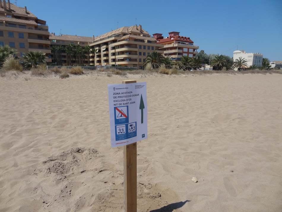 Foto L'Ajuntament de Dénia estableix mesures especials d'ús i neteja a les platges naturals protegides durant la Nit de Sant Joan