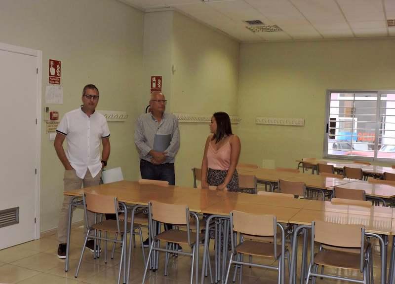 El curs comença dilluns a Dénia amb 5.153 escolars d'Infantil, Primària i Secundària mat...