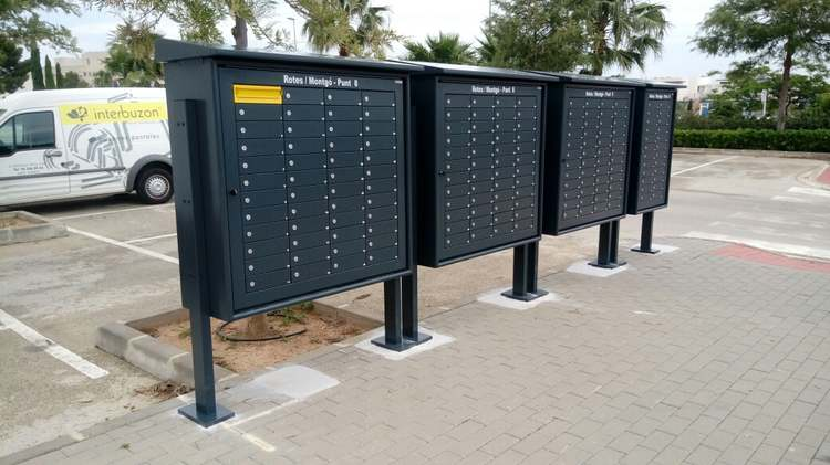 Foto El repartiment de correu en les bústies pluridomiciliàries del disseminat comença en uns dies