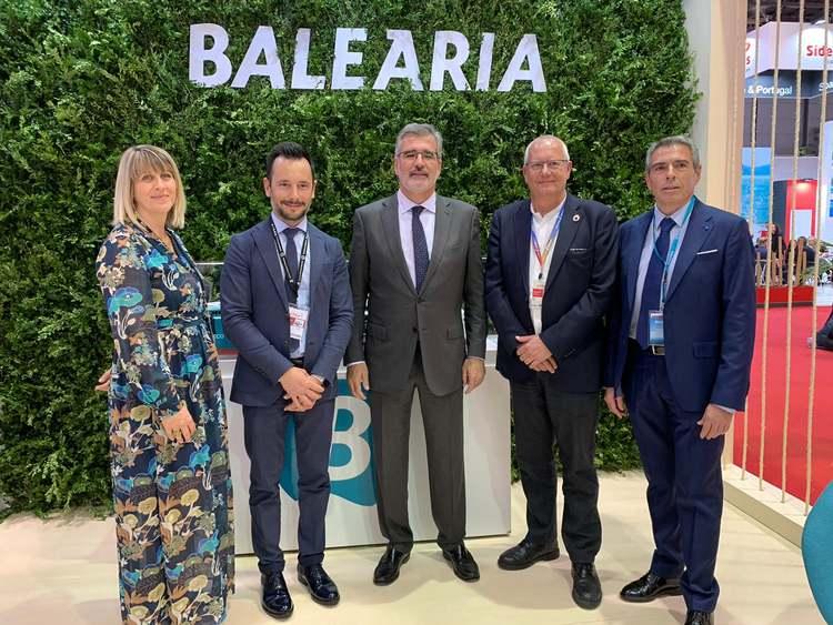 Amb els representants d'Eivissa i el president de Baleària