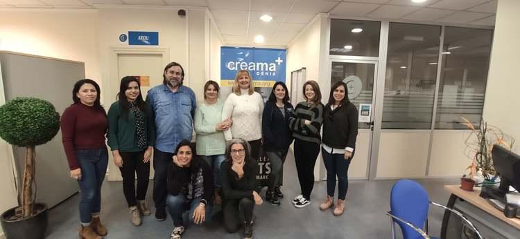 Nou curs d'anglés gratuït per a persones desocupades en Creama Dénia