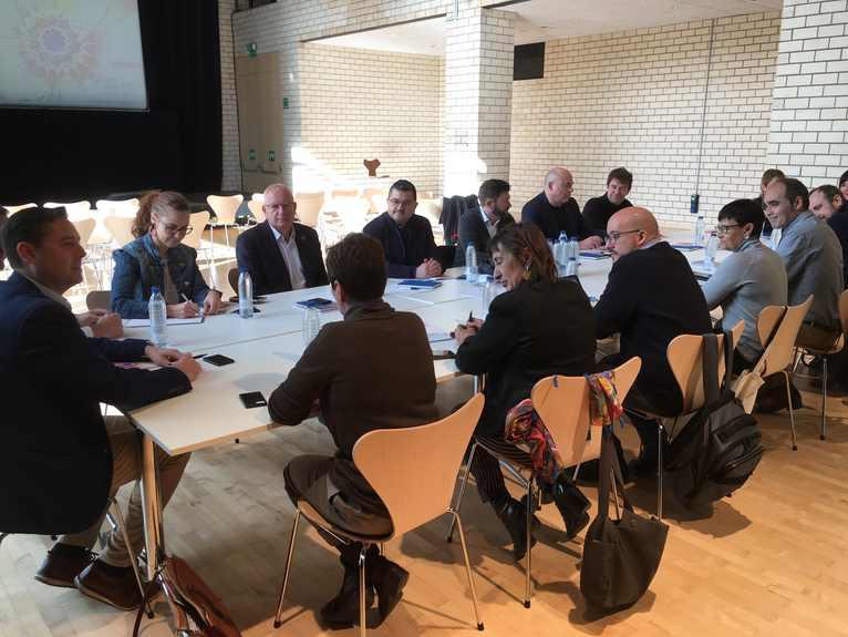 Reunió de treball presidida per l'alcalde de Burgos