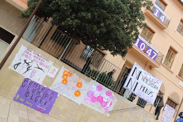 Dénia homenajea a las primeras mujeres que se alfabetizaron en el centro de Educación de Per...