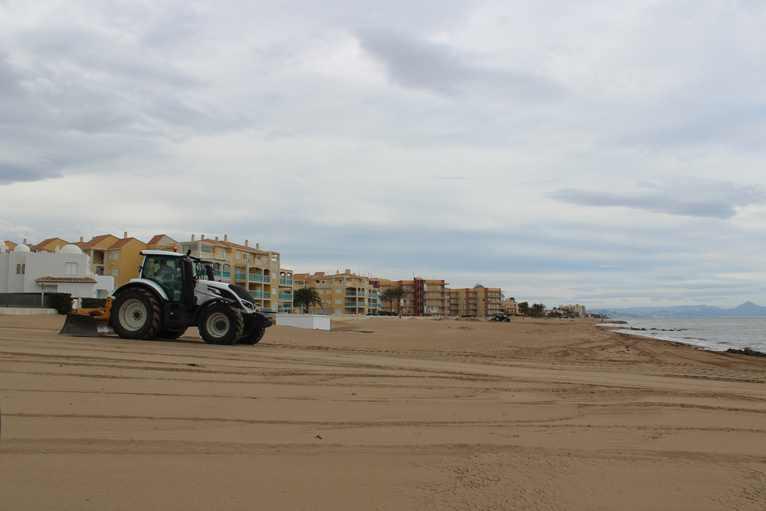 Playa de Les Marines actualmente