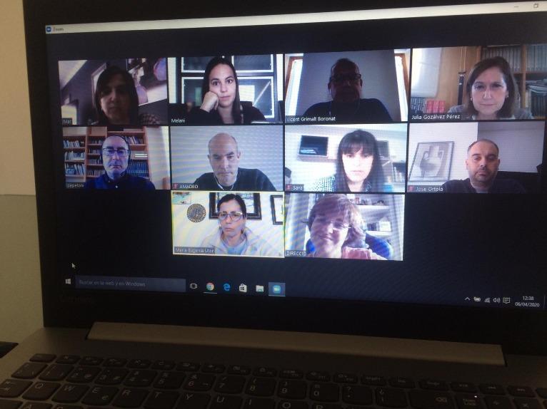 Foto Reunió amb els equips directius dels centres de primària i secundària de Dénia