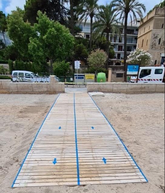 Foto Dénia presenta las primeras medidas para garantizar la seguridad e higiene en sus playas