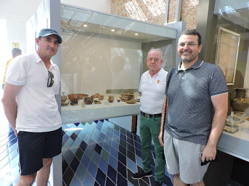 Manuel Sánchez Valentín dona al Museu de la Mar de Dénia un conjunt de ceràmiques del segle ...