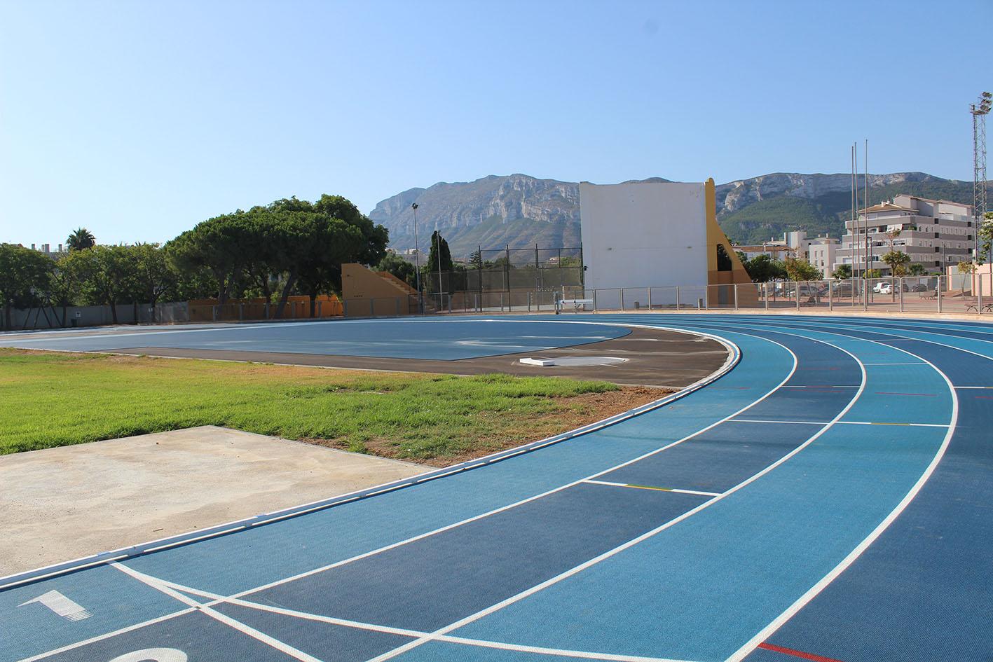 Foto Finalitzen les obres de la nova pista d'atletisme del poliesportiu