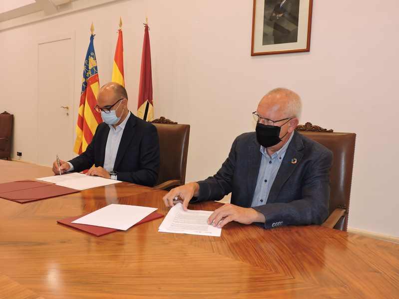 Foto L'Ajuntament de Dénia i la Universitat d'Alacant acorden constituir una comissió mixta amb l...