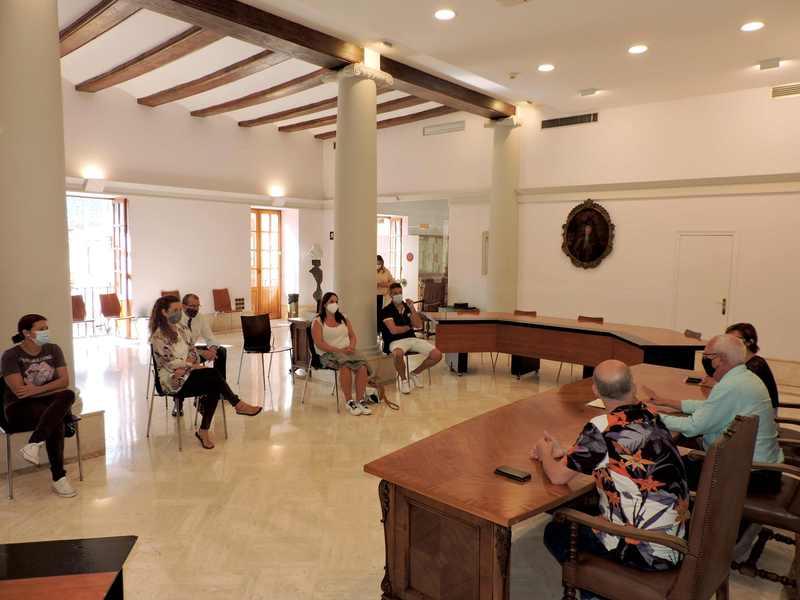 L'Ajuntament de Dénia informa els residents i l'empresariat de les condicions d'accessibilit...
