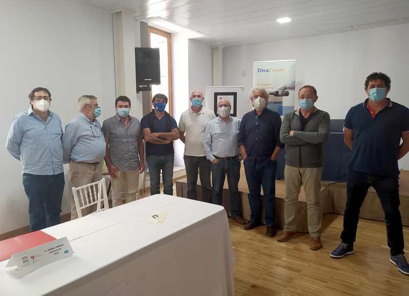 Pescadors i científics intercanvien a Dénia projectes i experiències