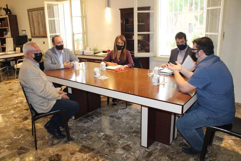 El conseller Martínez Dalmau i l'alcalde de Dénia signen un conveni per a impulsar el pr...