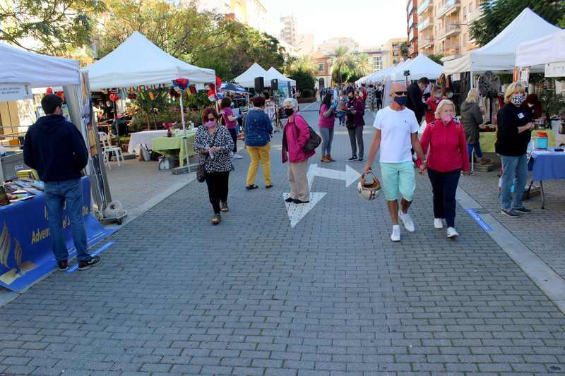 Foto Feria de Asociaciones en la calle La Vía