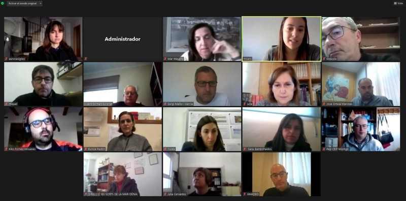 Foto Reunió de coordinació amb el personal directiu dels centres educatius de Dénia