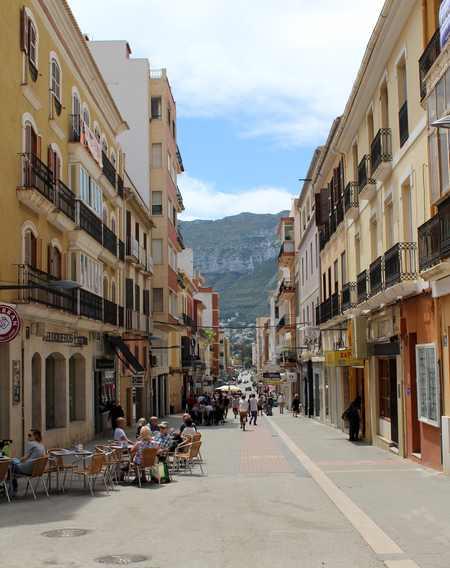 Foto L'Ajuntament de Dénia participa en la línia d'ajudes Parèntesi destinades als sectors més af...