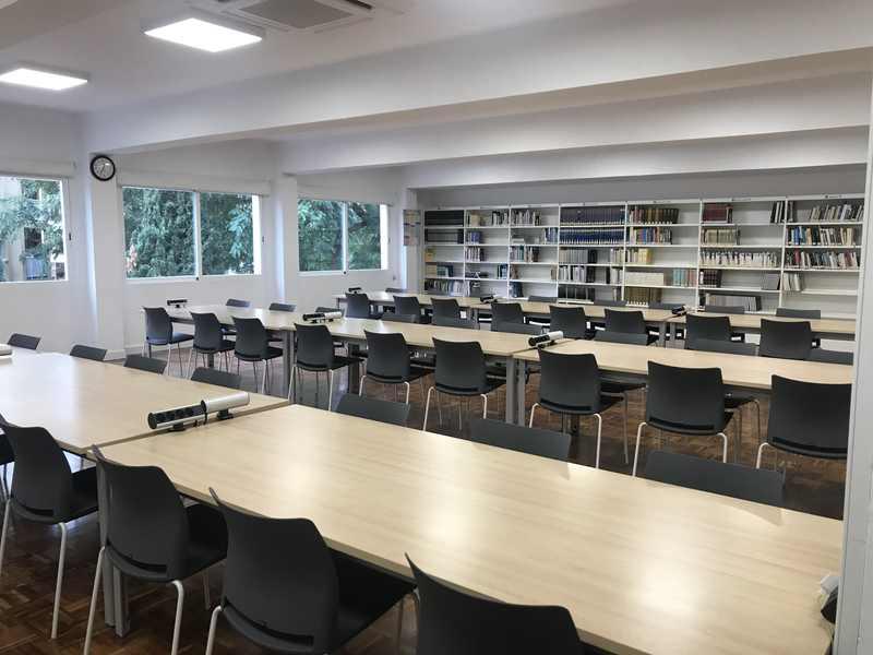 Foto Les biblioteques de Dénia tanquen al públic a partir de hui i sols mantenen actiu el servei ...