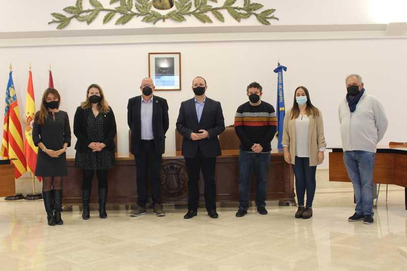 El conseller Martínez Dalmau visita en Dénia la primera oficina de vivienda de la red Xaloc ...