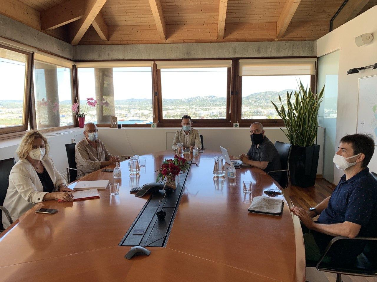 Jornada de treball entre Dénia i Eivissa per a enfortir la col·laboració en l'àmbit turí...