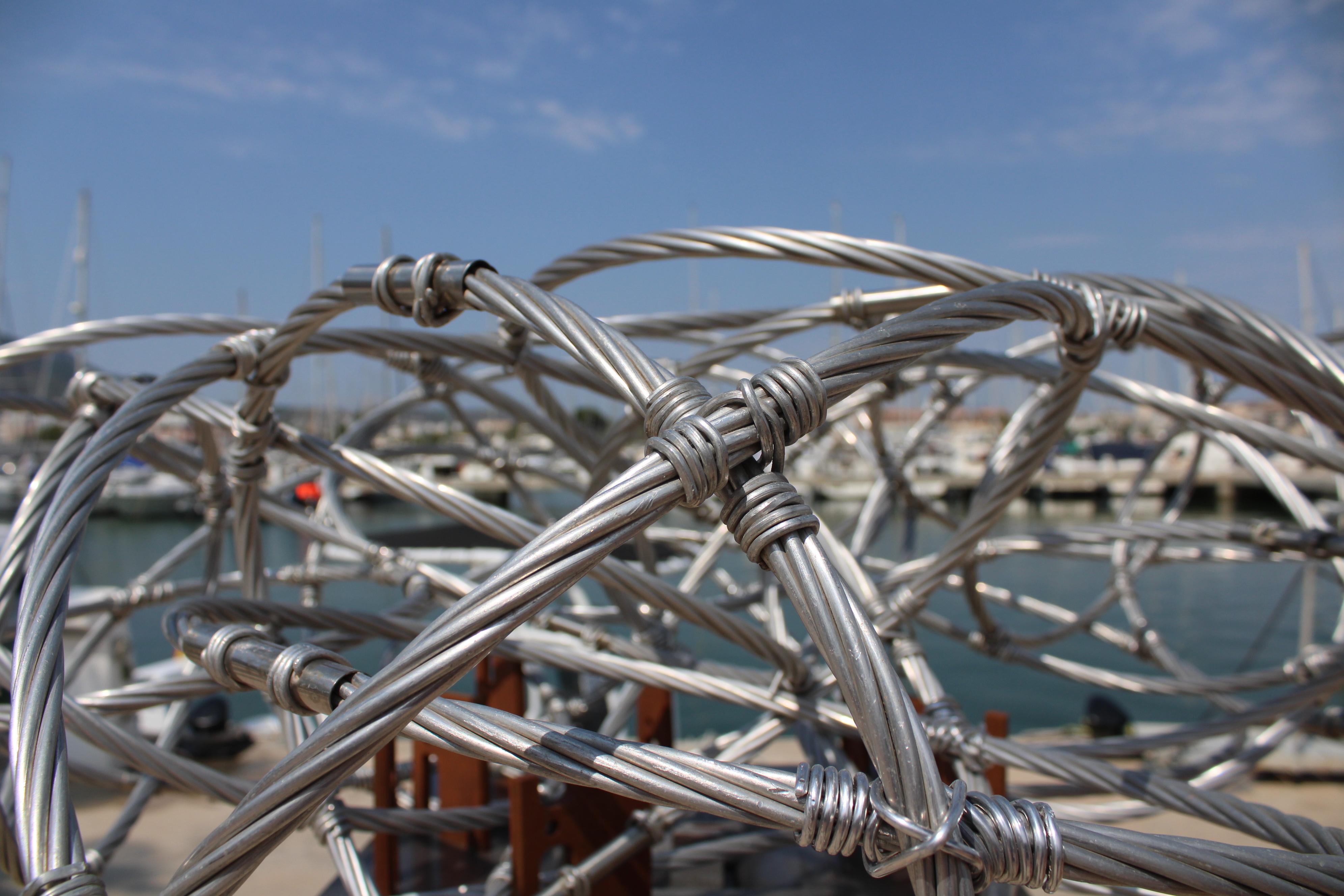 Foto 'Esculturas frente al mar' torna al passeig del port esportiu Marina de Dénia