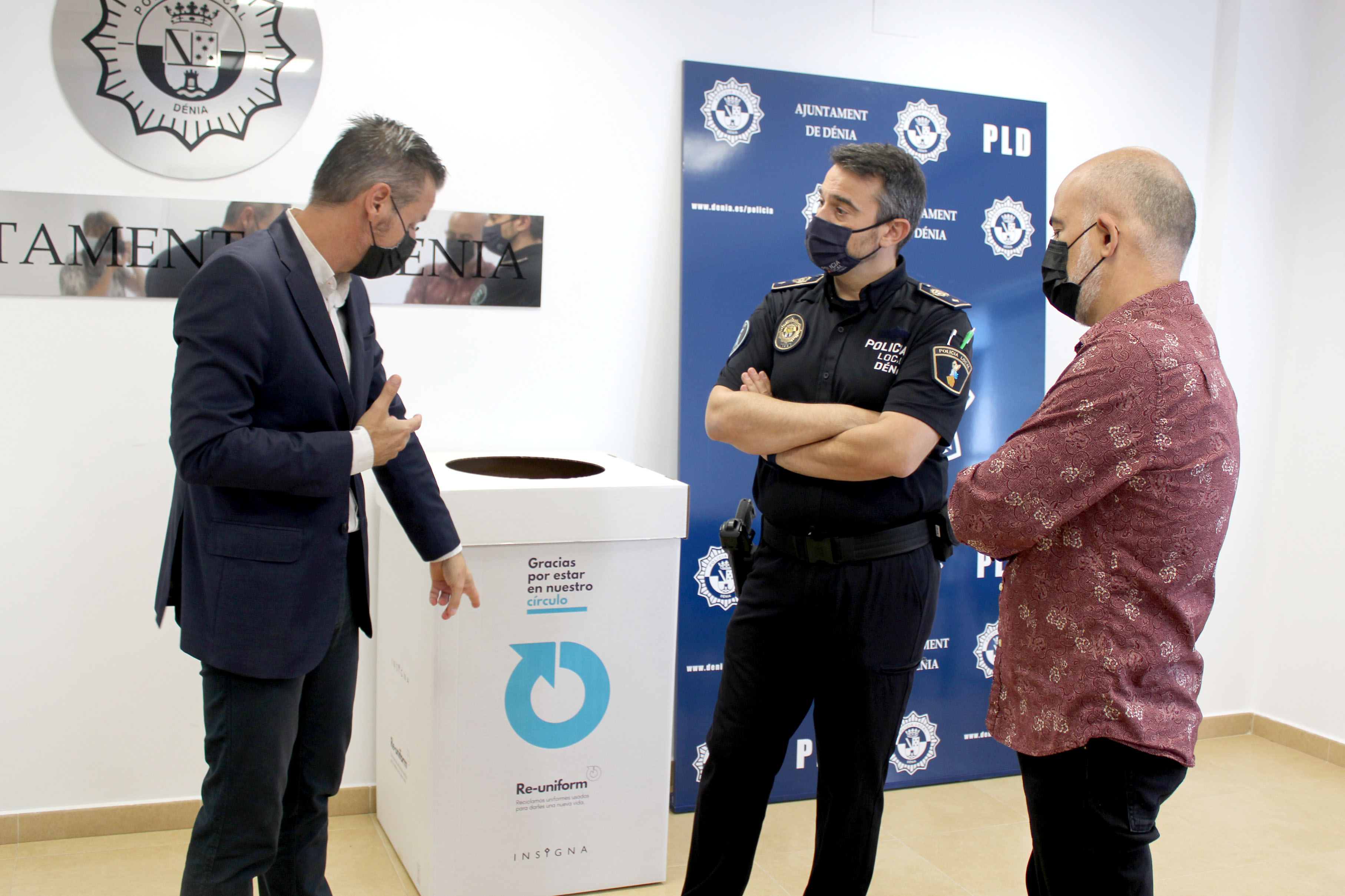Foto La Policía Local de Dénia se adhiere al programa Re-uniform de reciclaje de uniformes